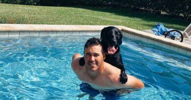 Brooks koepka och hunden Cove